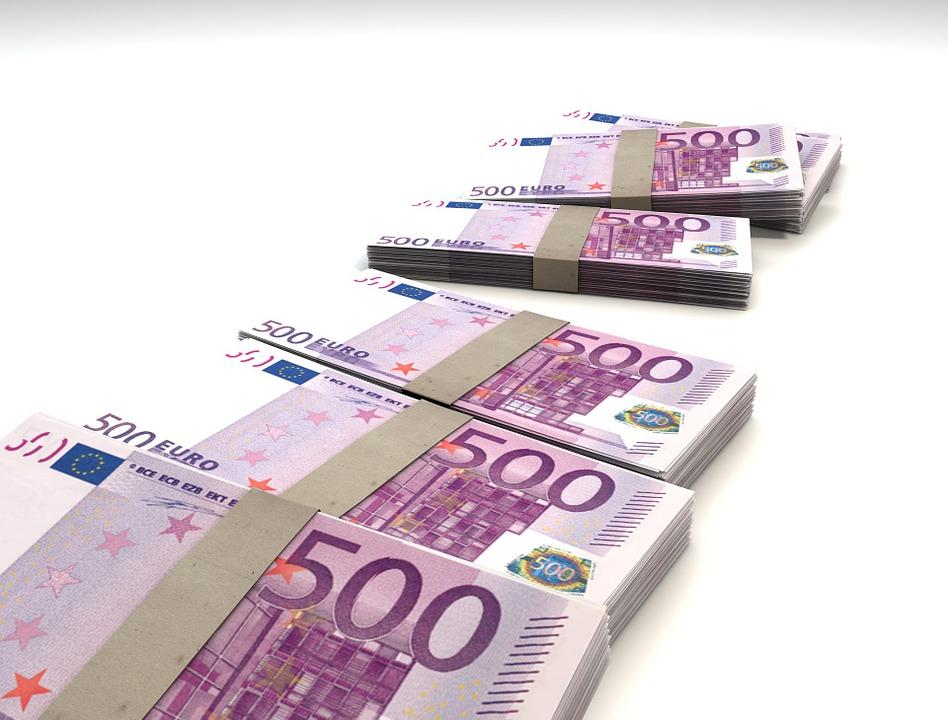 Jak wypłacić euro w bankomacie bez karty