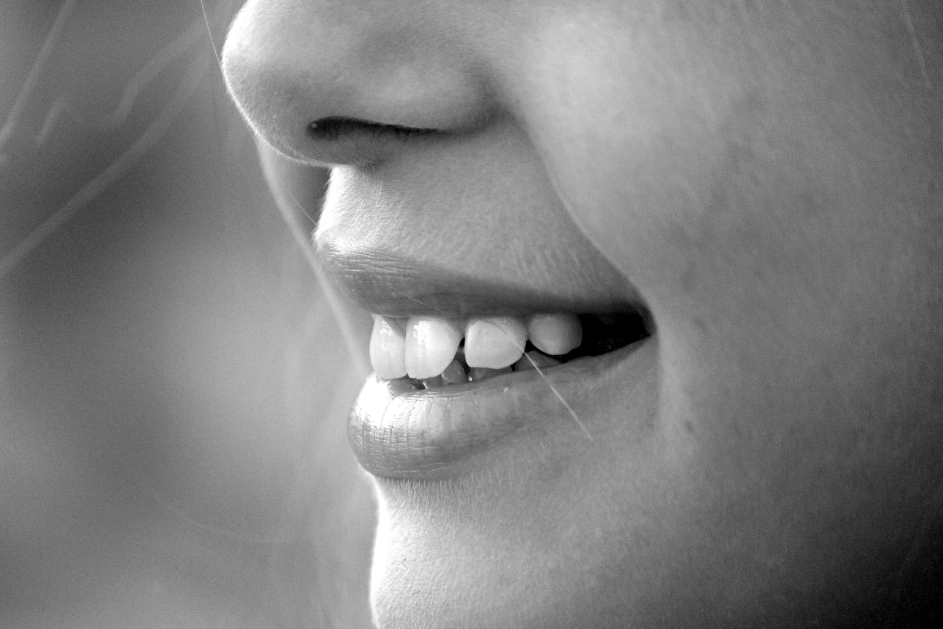 Zadbaj o proste zęby swojego dziecka